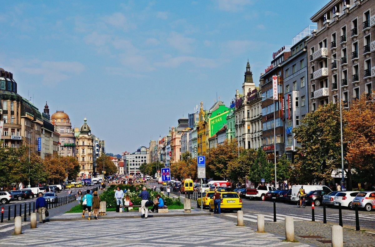 Прага вацлавская площадь фото
