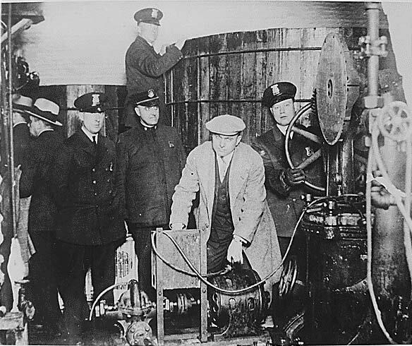 """16 января 1920 года """"сухой закон"""" в США закреплен Конституцией"""