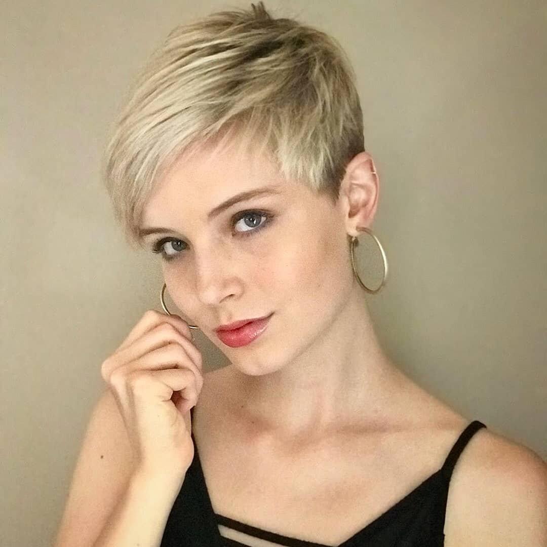 короткие женские стрижки для тонких волос картинки они уже