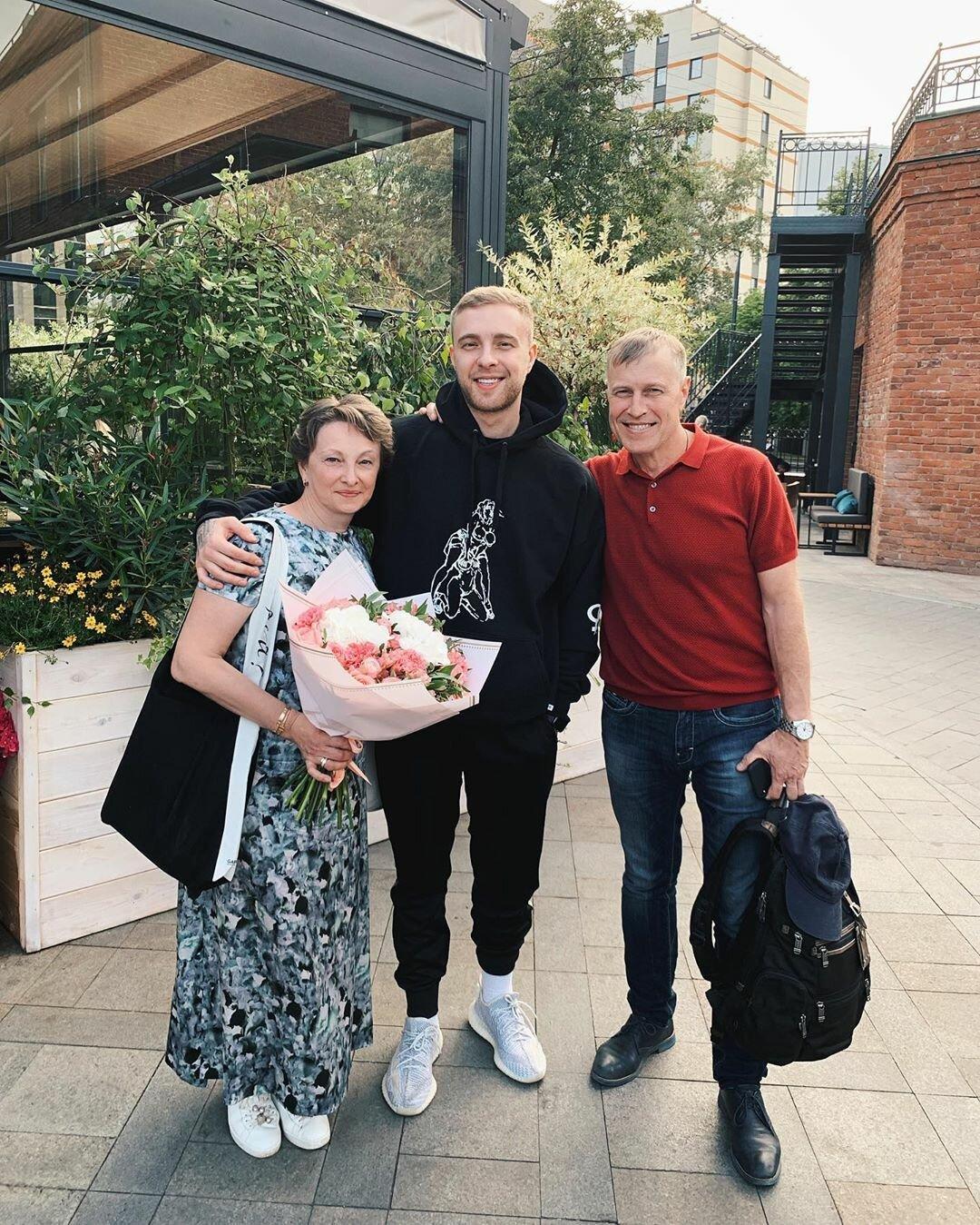 Поздравления мамы с днем рождения сына егора крида