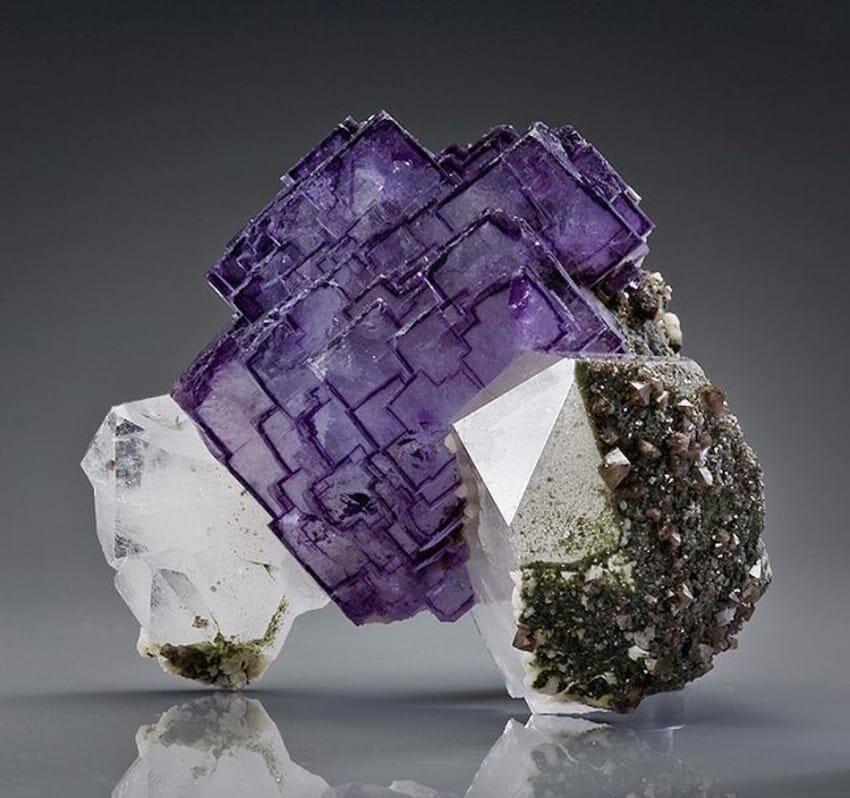 виды минералов фото панорамным остеклением