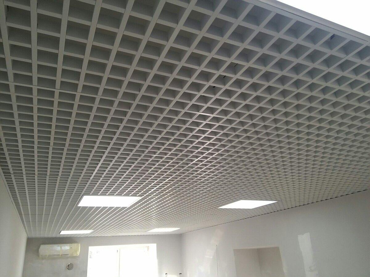 Потолок грильято фото №23
