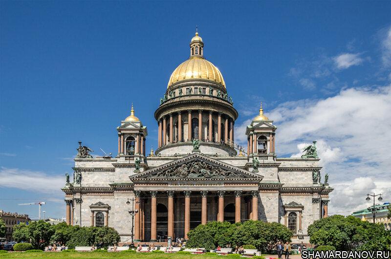 11 июня 1858 года в Санкт-Петербурге освящен Исаакиевский собор