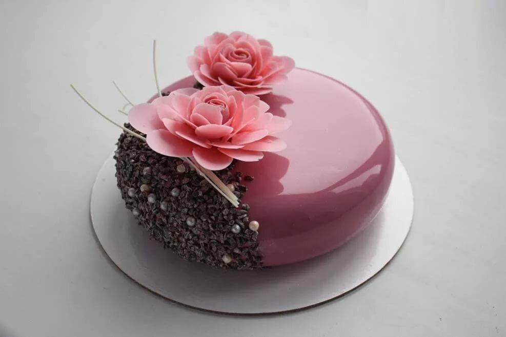 также цветы из шоколада для торта фото бывают