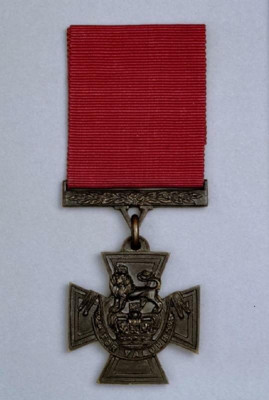 29 января 1856 года учреждена высшая военная награда Великобритании — «Крест Виктории»