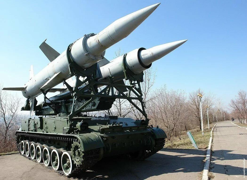 Картинка ракета и танк