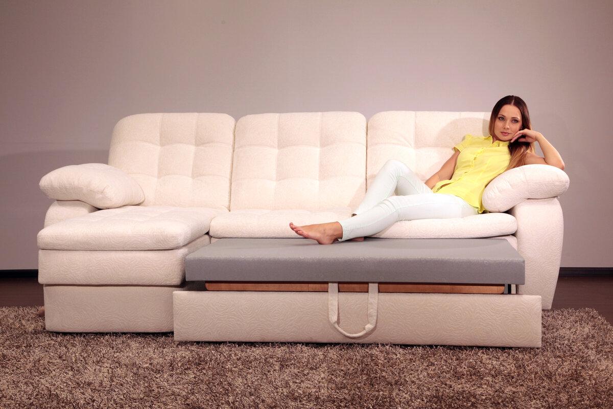 Современный китайский угловой диван из кожи фото находясь где-либо