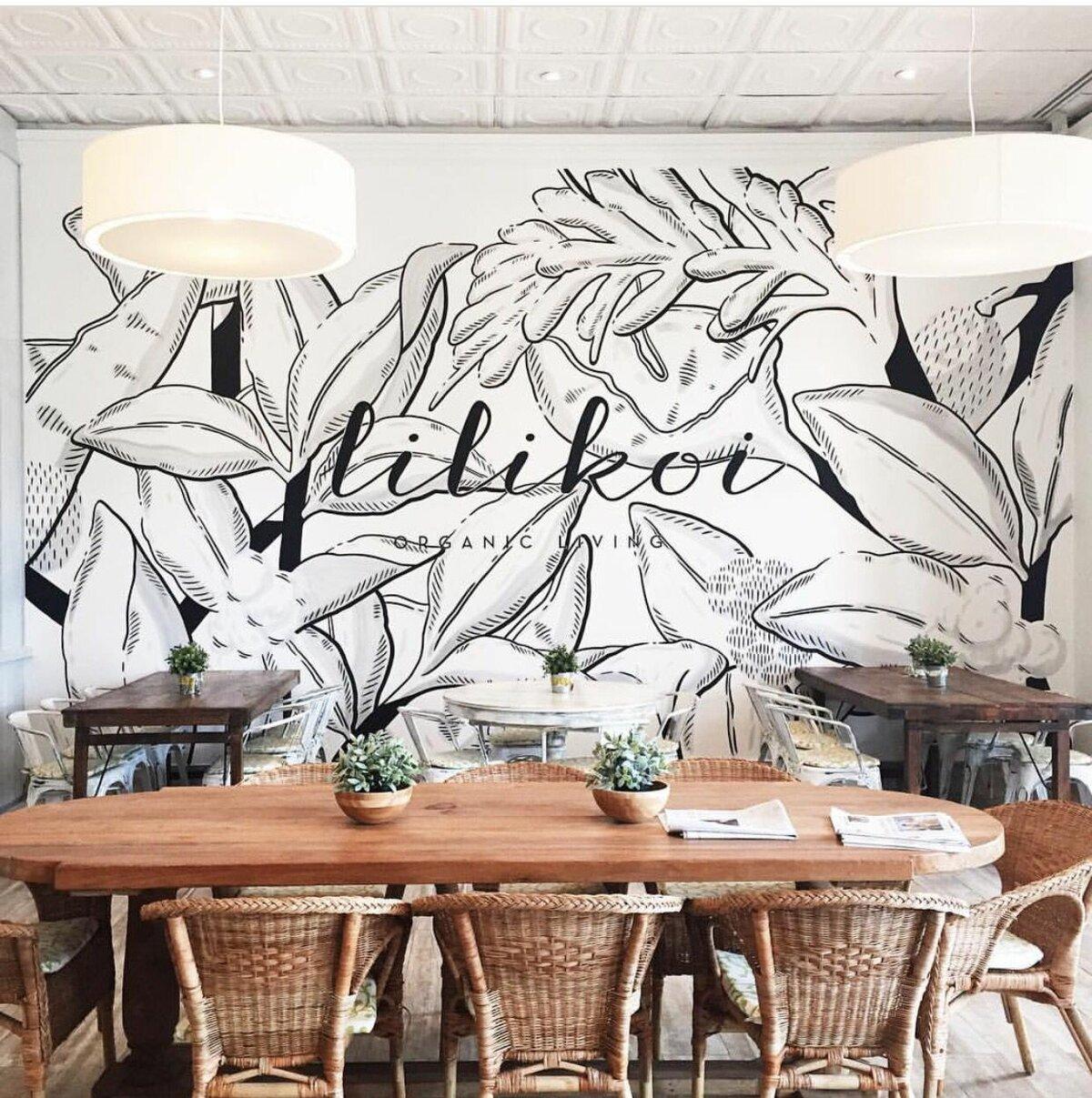 Рисунки на стенах в кафе
