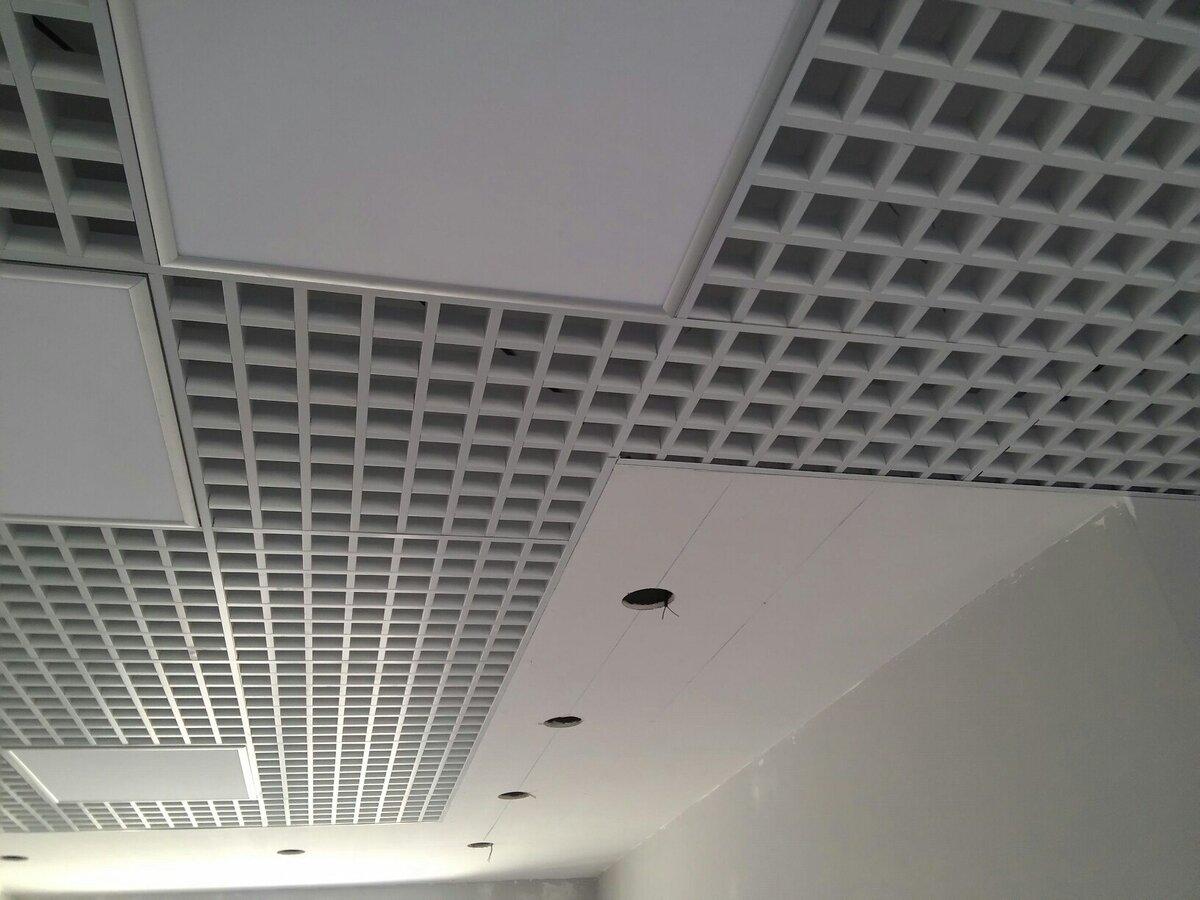 Потолок грильято фото №32