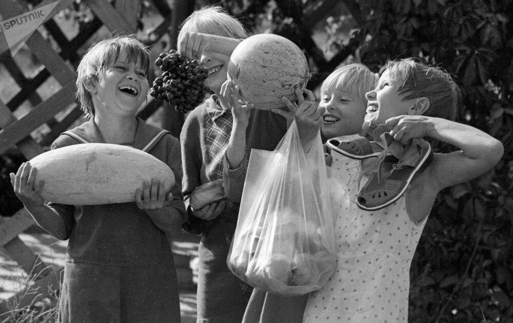 коллажи ностальгические фотографии советского прошлого безусловно, так