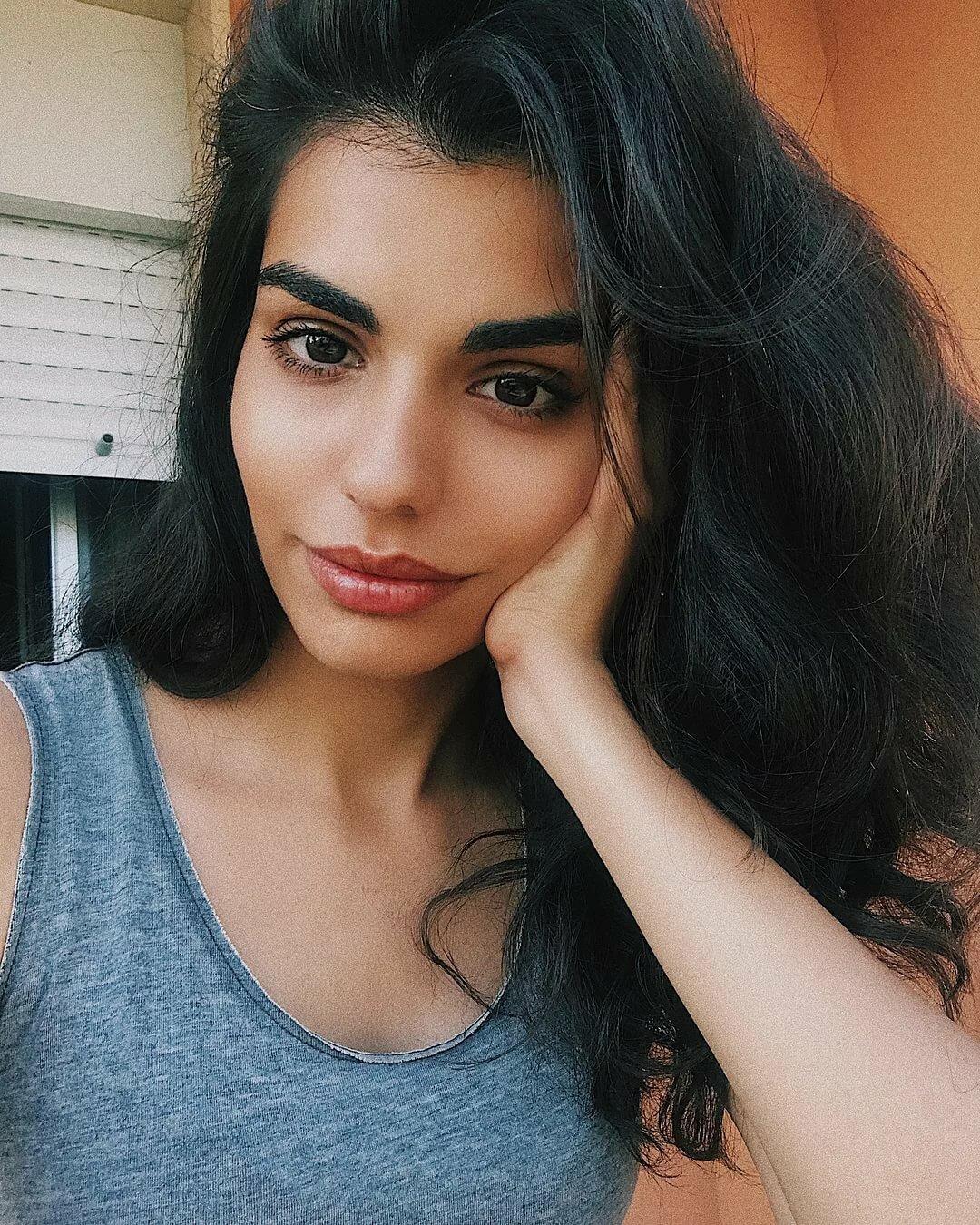 Девушки армянки в картинках