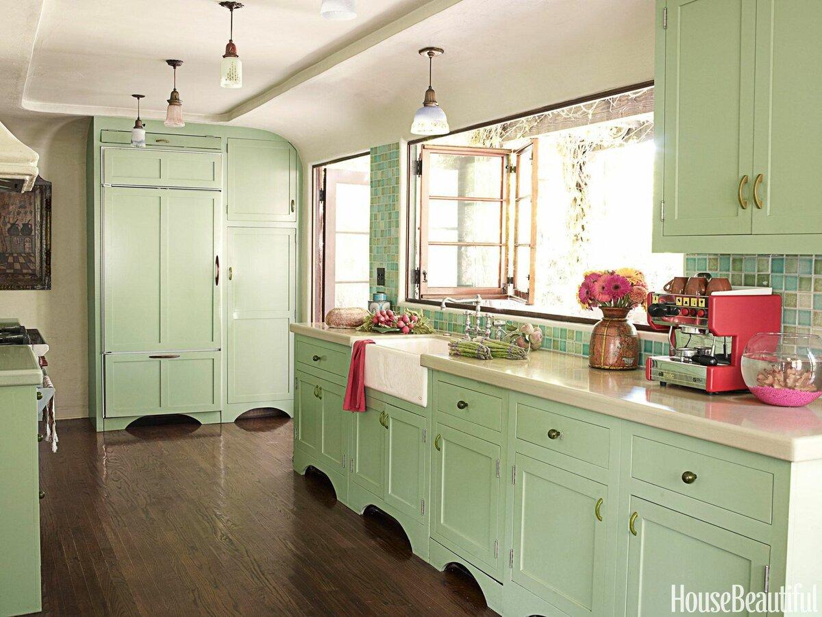 Кухня фисташкового цвета с другими цветами фото