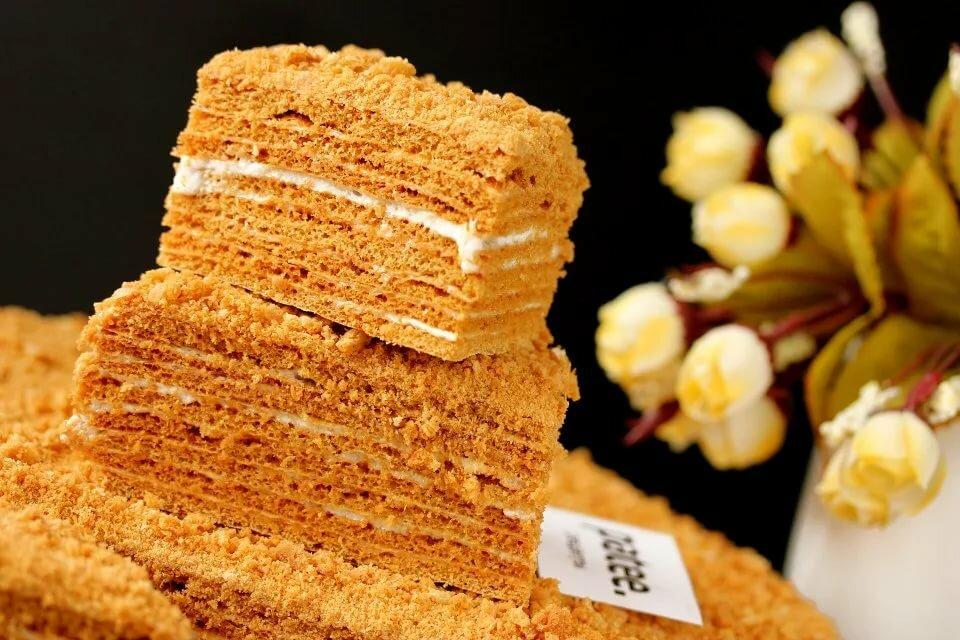 дома медовик королевский рецепт с фото тесто сайра