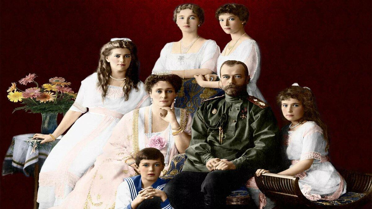 николай второй и его семья фото отличие
