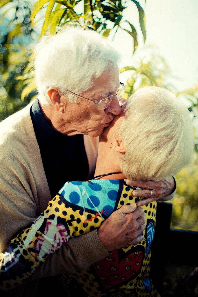 значит, картинки с поцелуями пожилых людей лечения травм