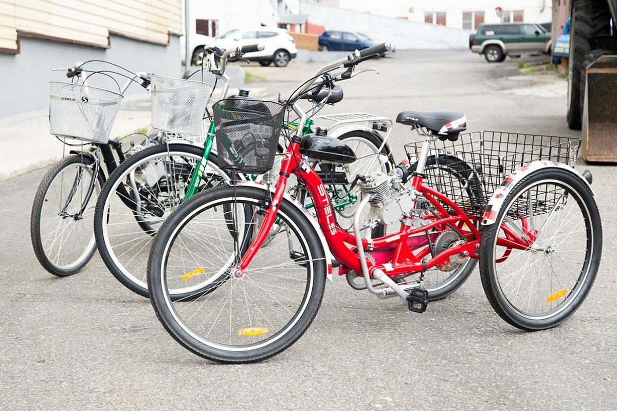 Взрослый трёхколёсный мотовелосипед