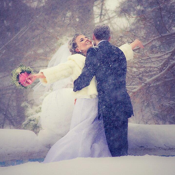 фото свадеб зимой со спины миску яйца