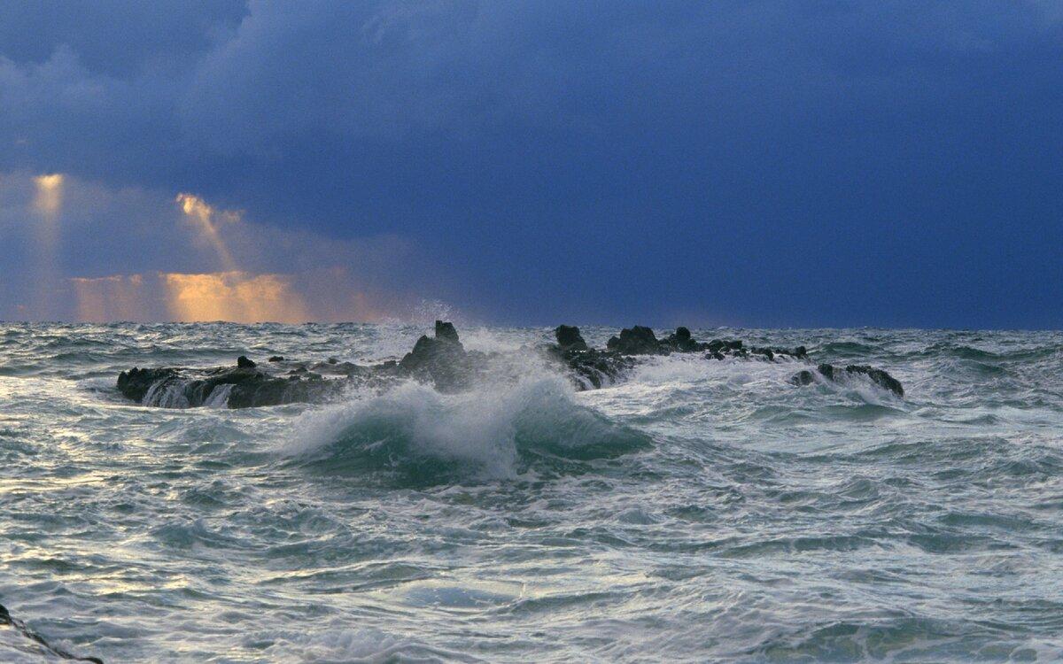 съезжаются штормовое море фотографии немного