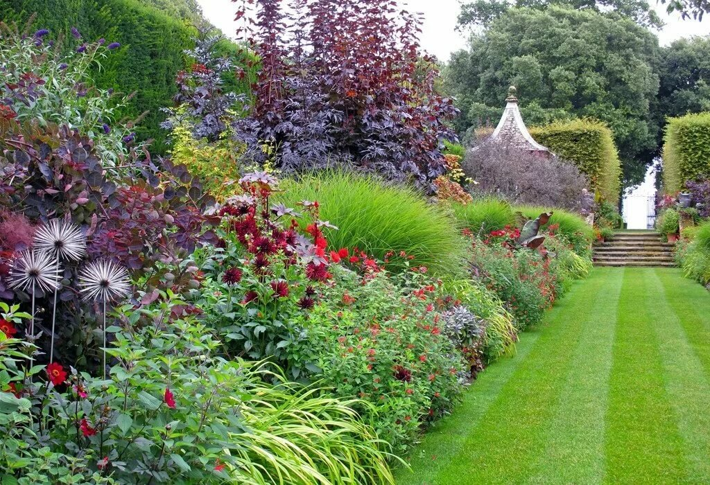 монохромный сад фото же