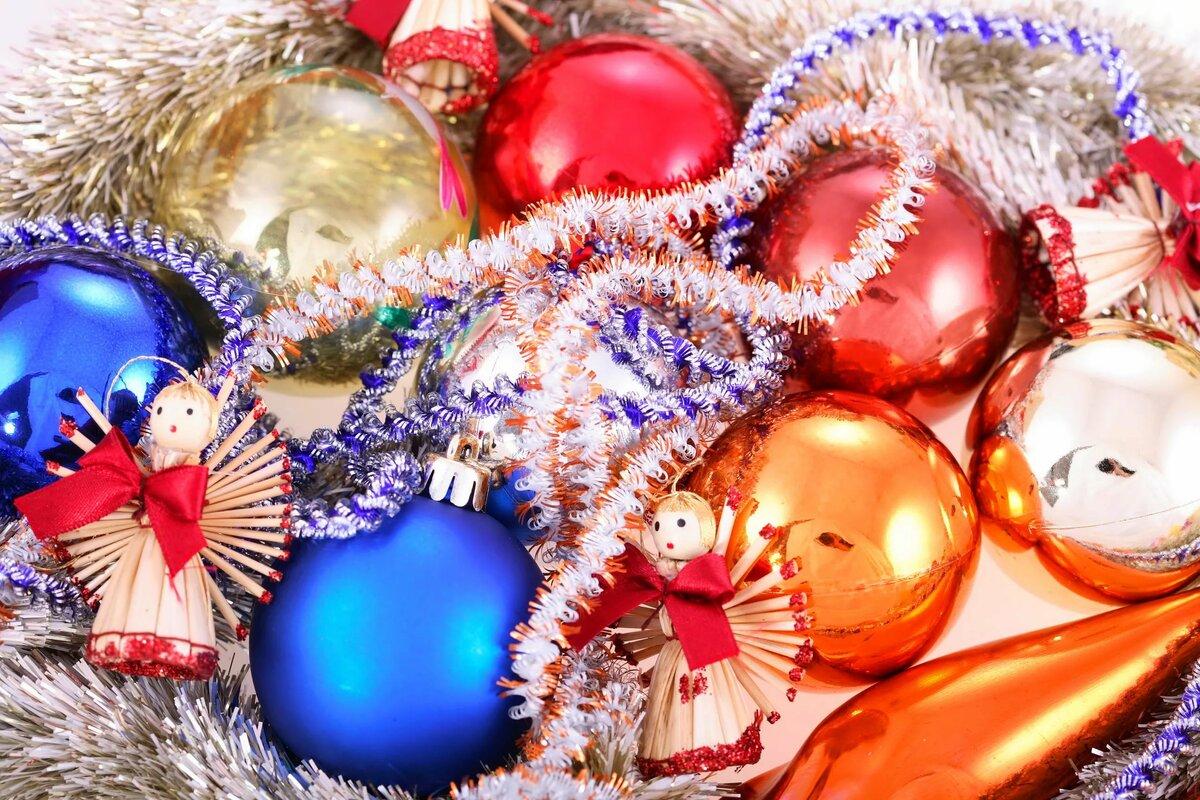 картинки к новому году шарики под