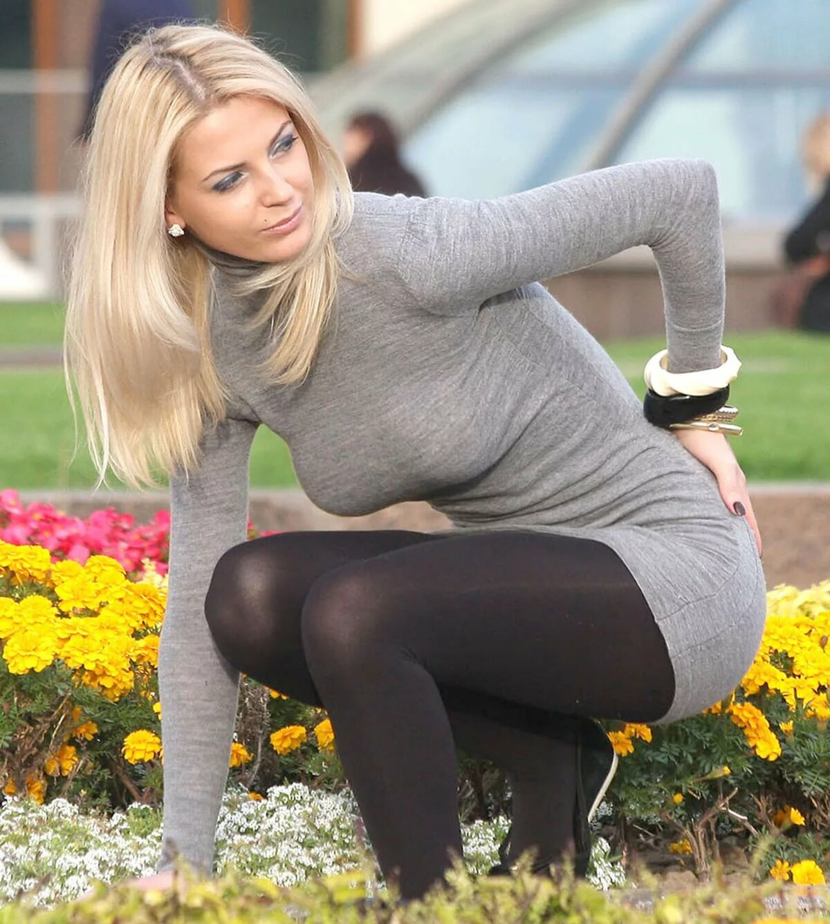 German girls and pantyhose
