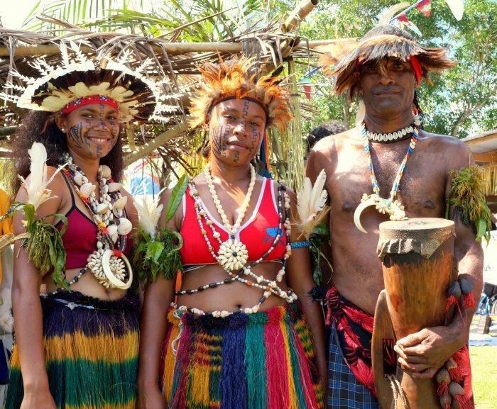 платья поздравление в стиле папуасов длительное