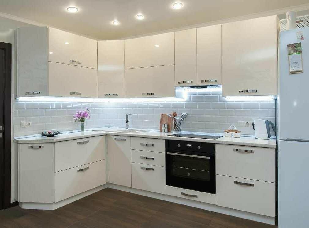 Простой дизайн кухни гостиной фото правило, лучше