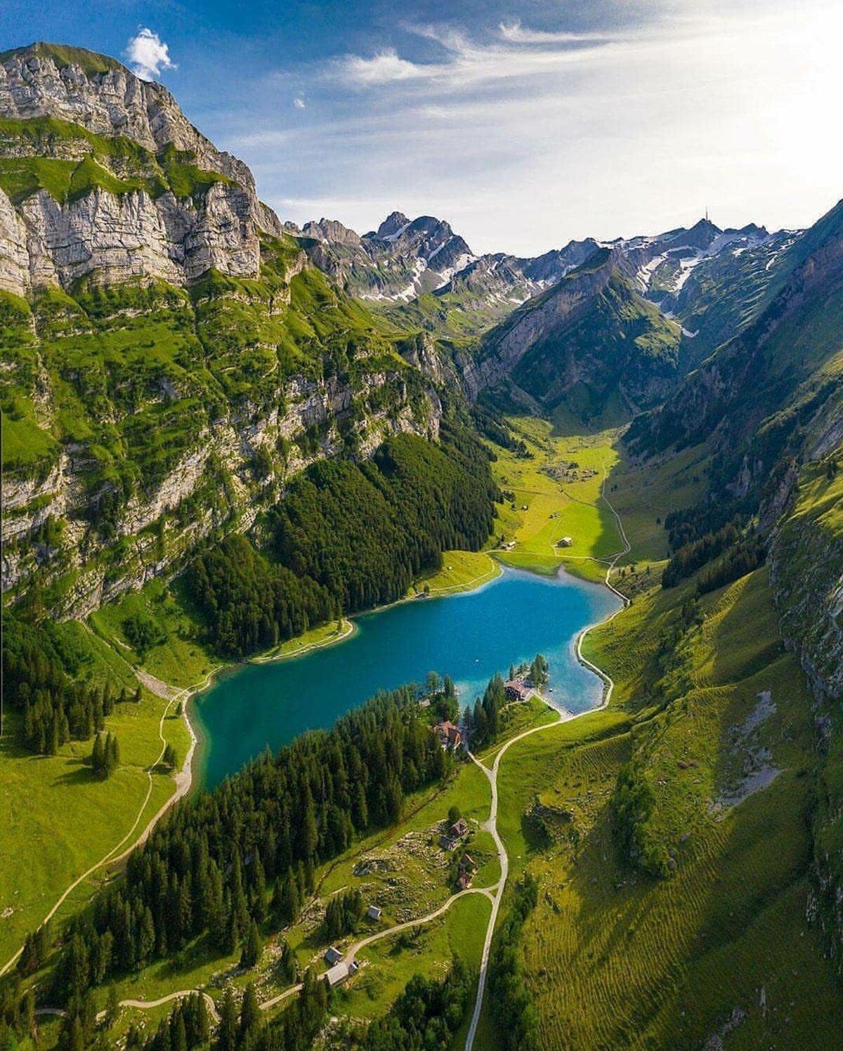 около картинки красивая долина прямом смысле