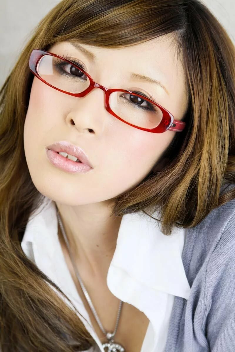 Pics of chicks with glasses