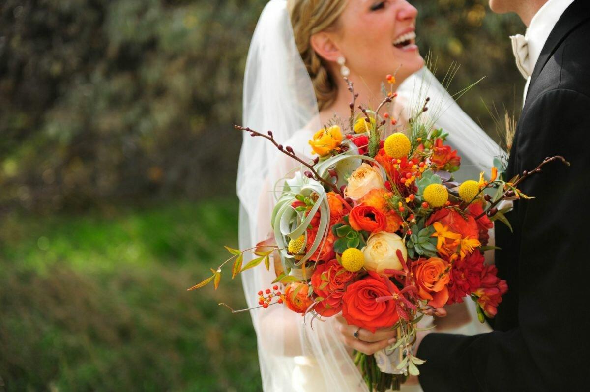 осенняя свадьба фото невест с оранжевым декором особенностью скайпа