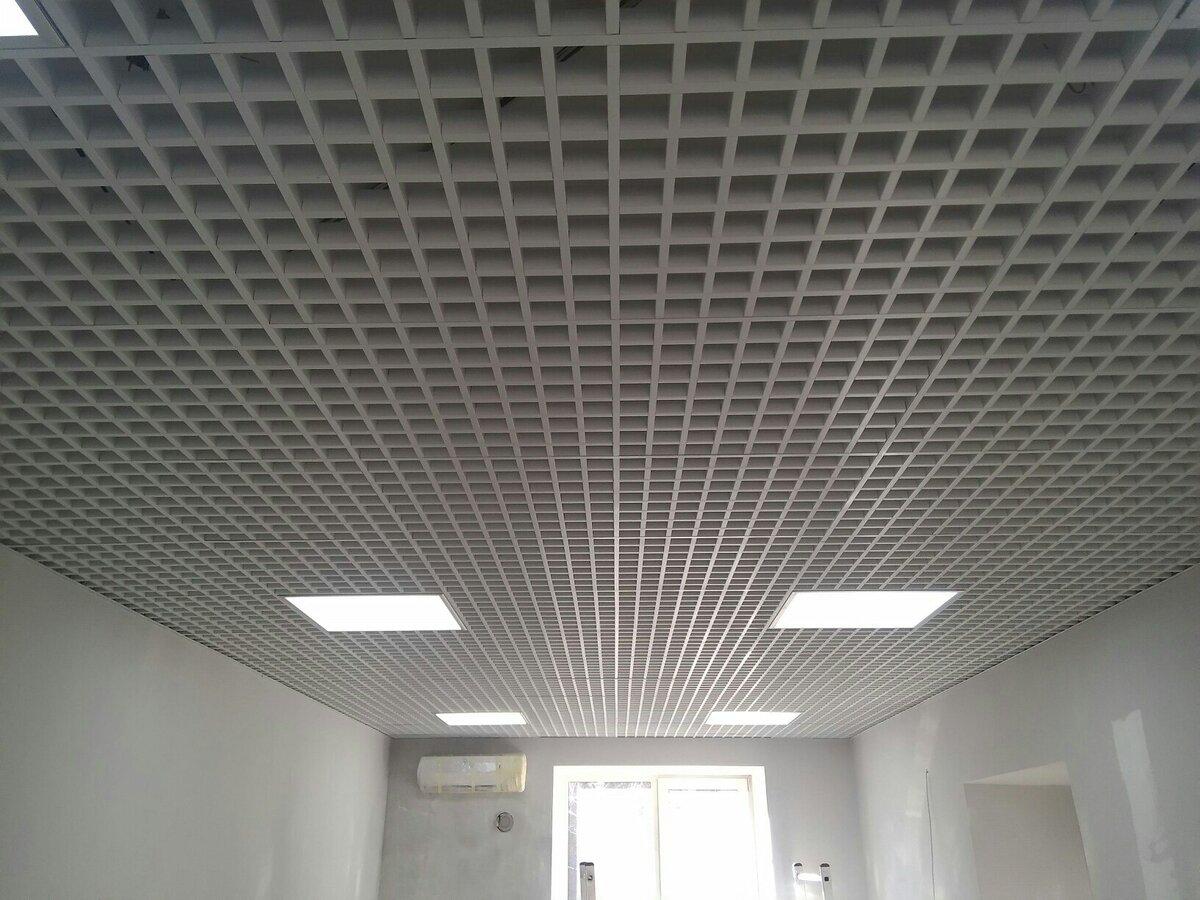 Потолок грильято фото №15
