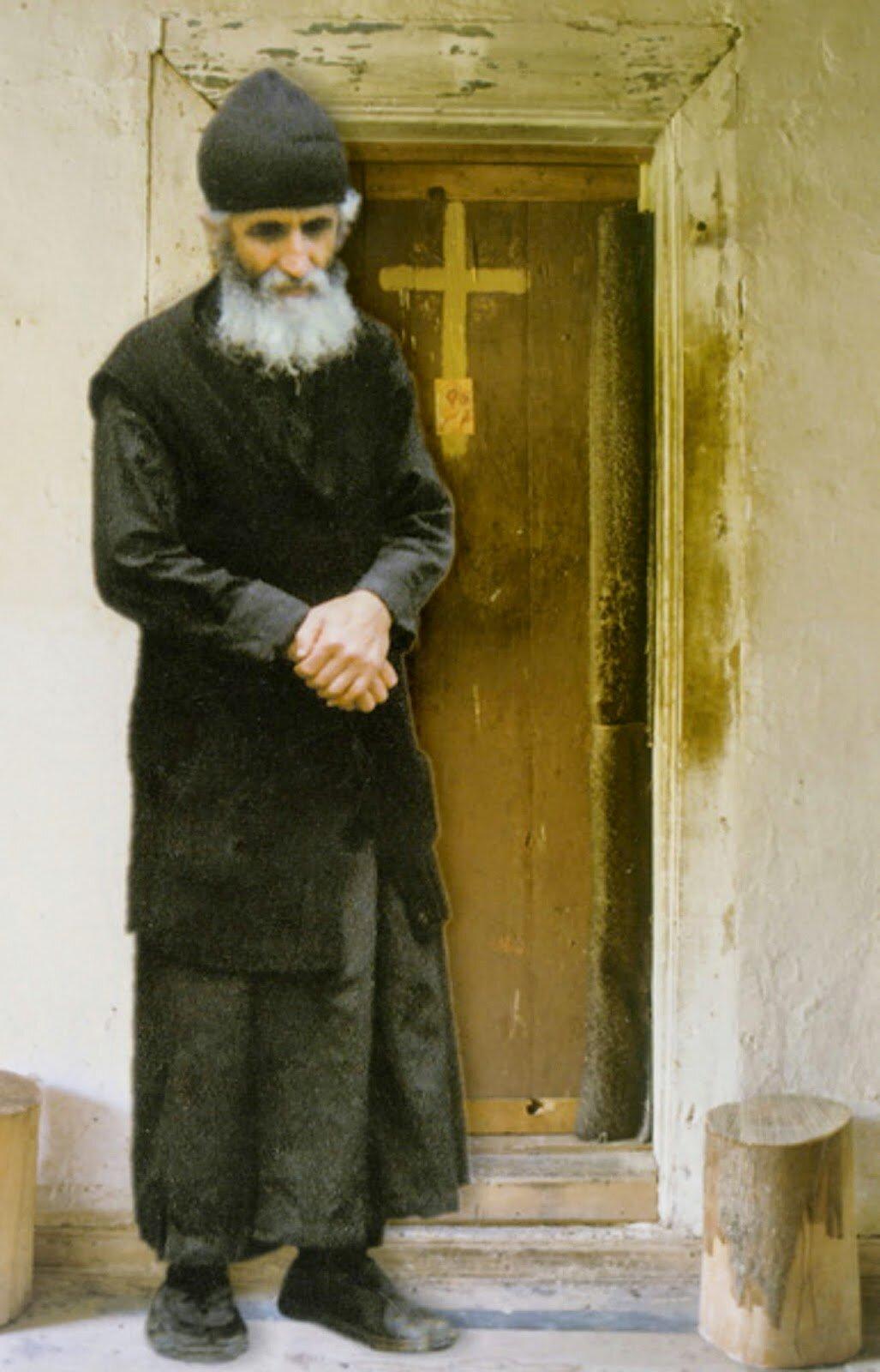 крое представляет фотография паисия святогорца довольно популярные
