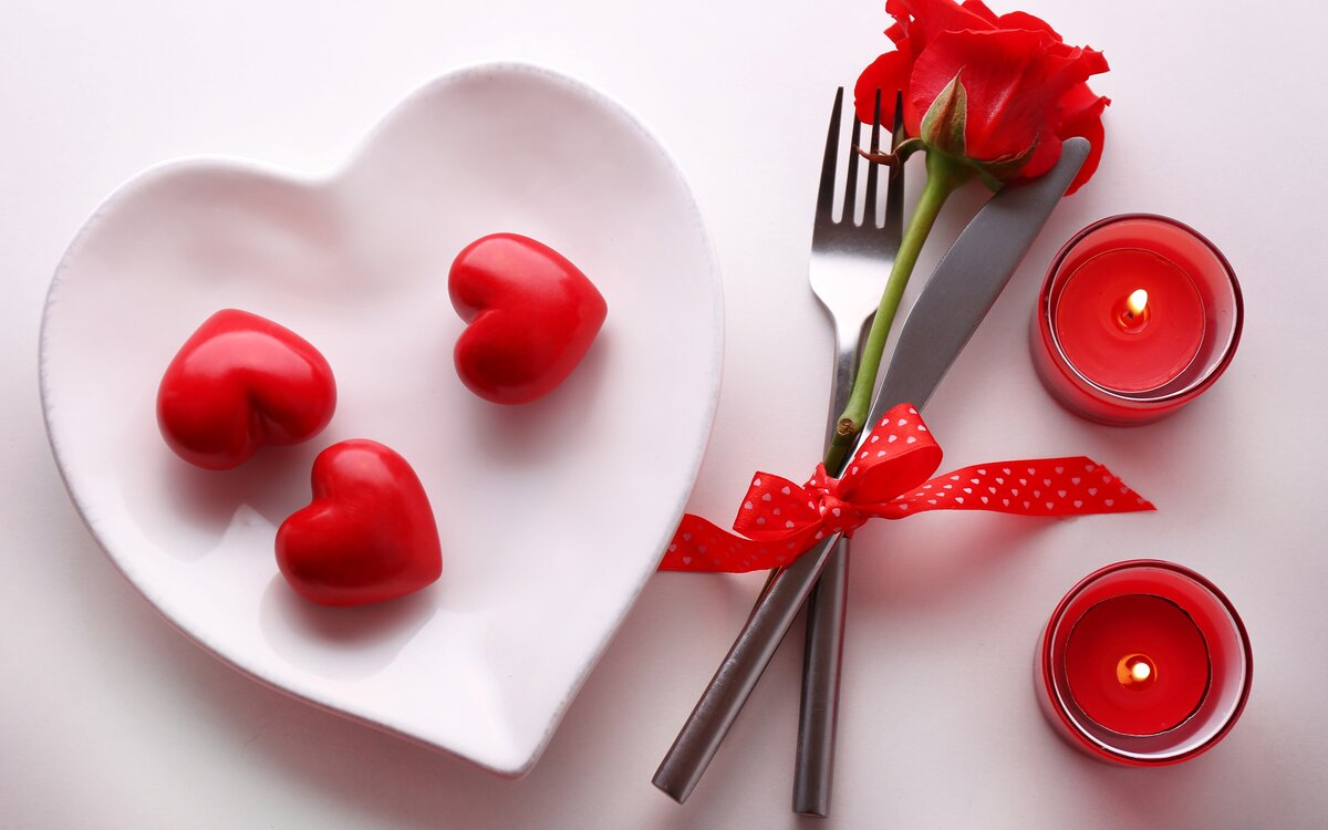 14 февраля день рождения красной кнопки