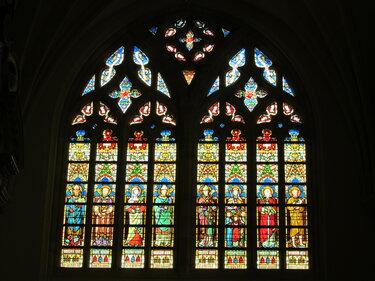окна соборов витражи