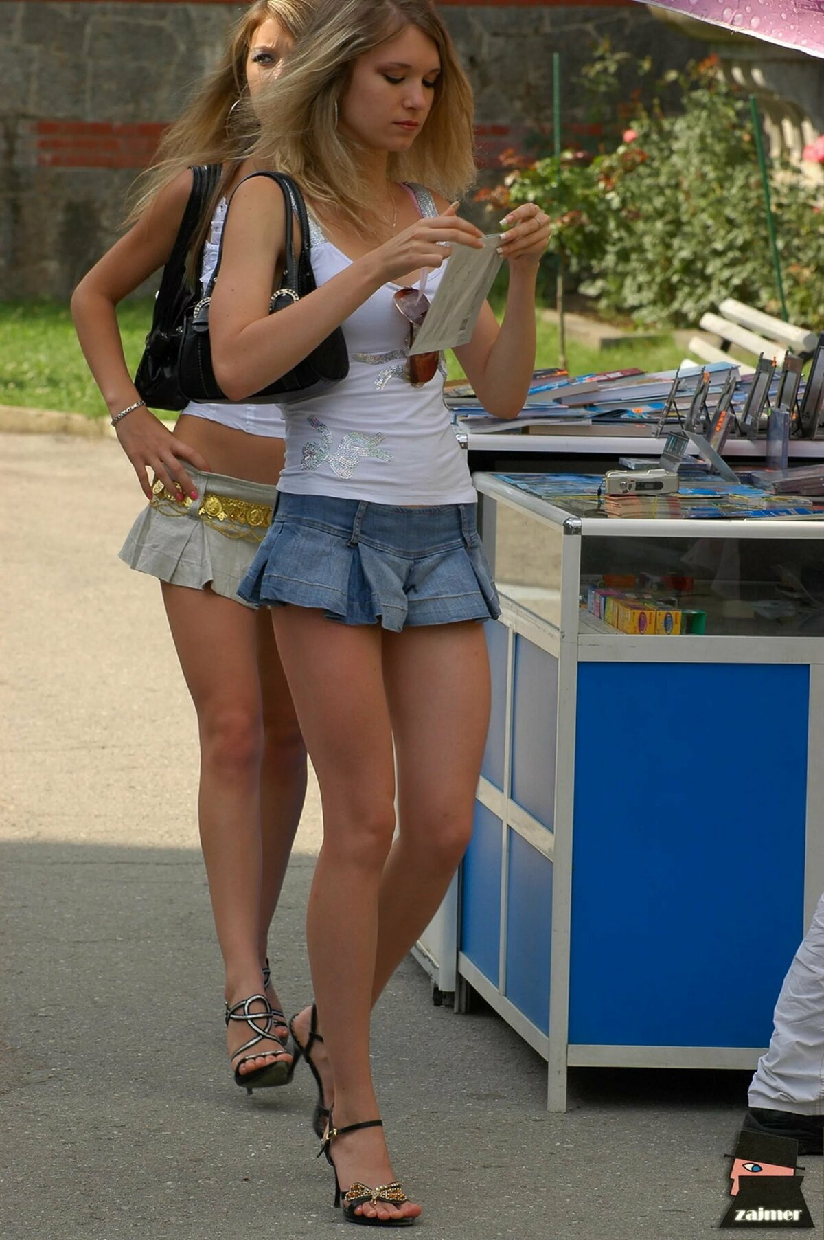 hot-young-girls-in-mini-skirts-and-sister-swimming