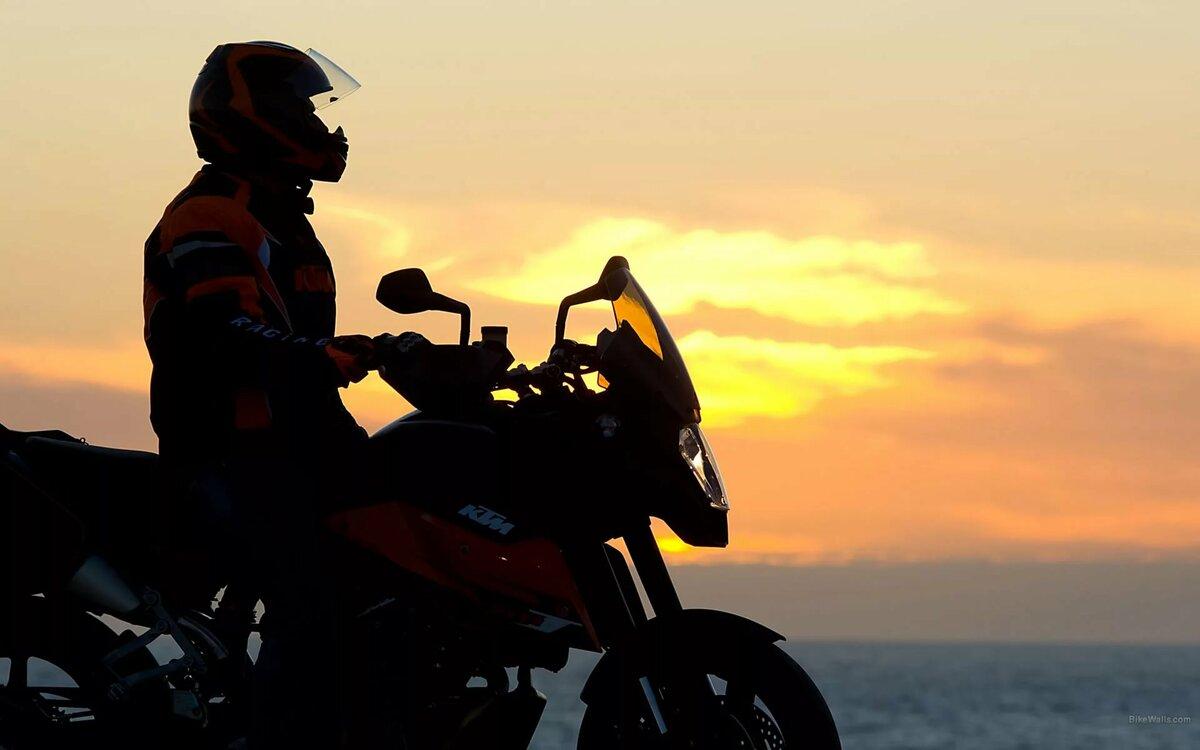 главными картинки мотоциклистов и закат это только
