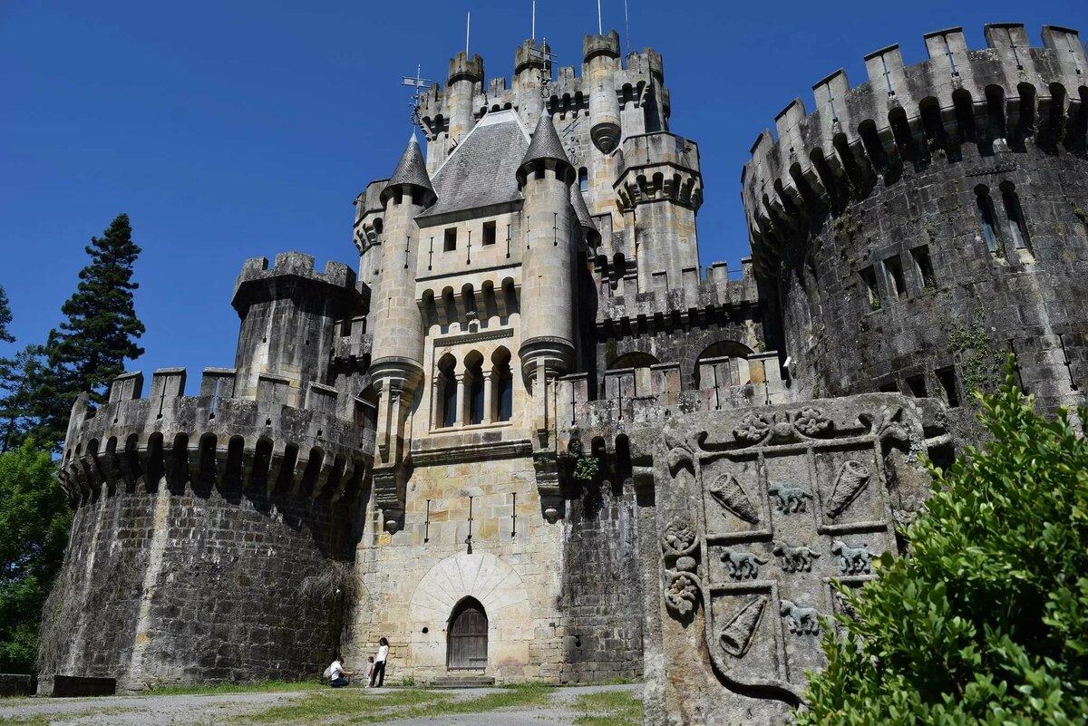 фотографии замков средневековья каждым изображением