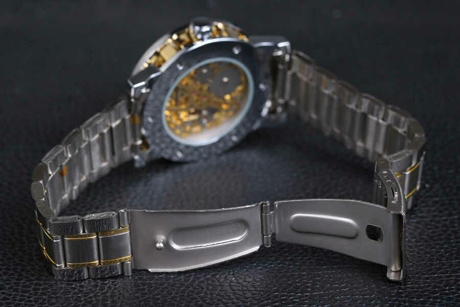 Надежная застежка и стальной браслет часов Winner Prestige