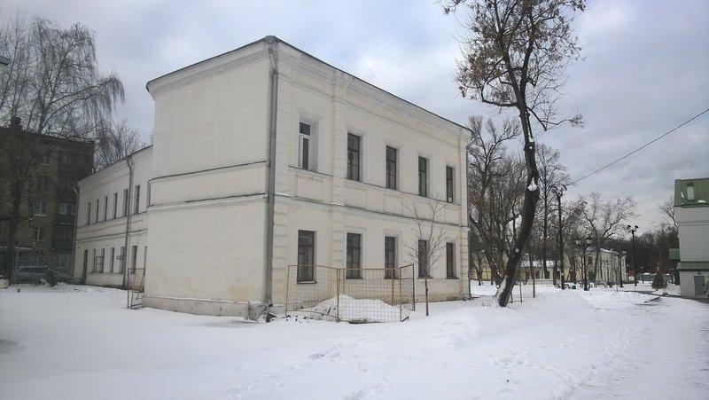 Ещё одно здание