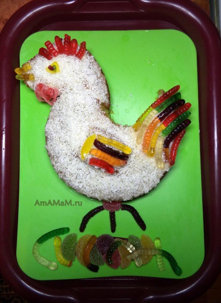 торт с кокосом и желейными червяками