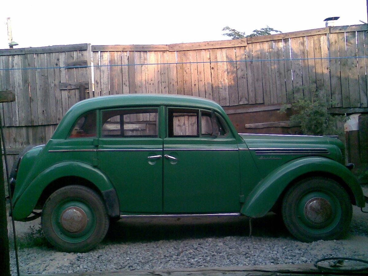фото старых москвичей авто первых признаках