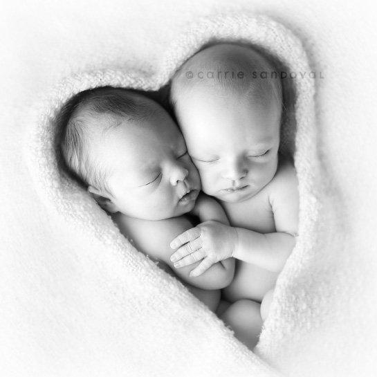 Фото, картинки близнецов мальчиков нарисованные