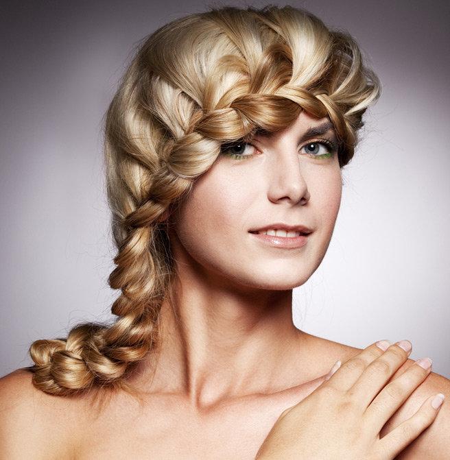 Женские прически на длинные волосы