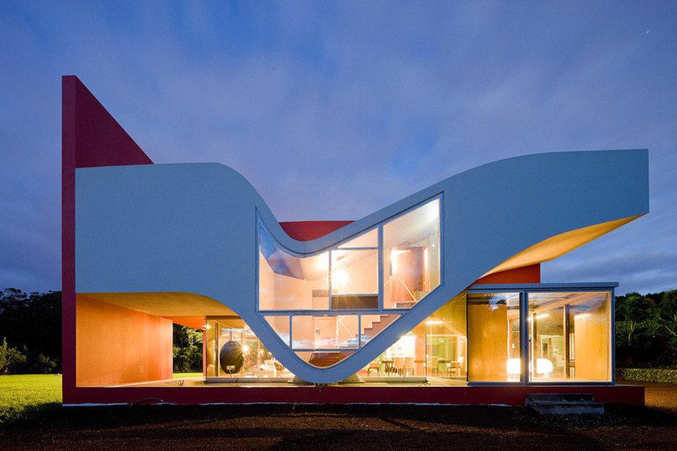 Асимметричная форма зданий