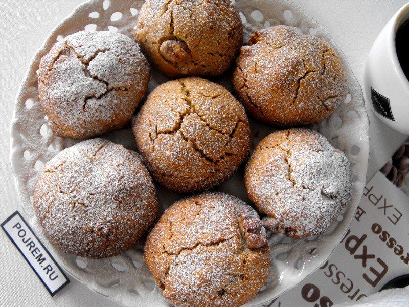 Постное печенье на скорую руку можно приготовить не только с вареньем, но и с апельсином, лимоном, бананом и другими начинками.