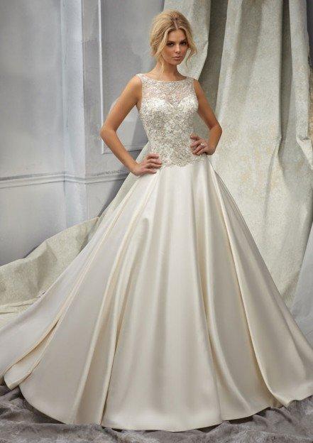 Свадебное платье из атласа фото