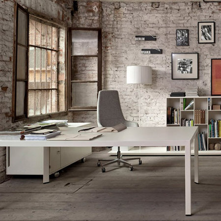 интерьер офиса в стиле лофт, кирпичная стена в офисе