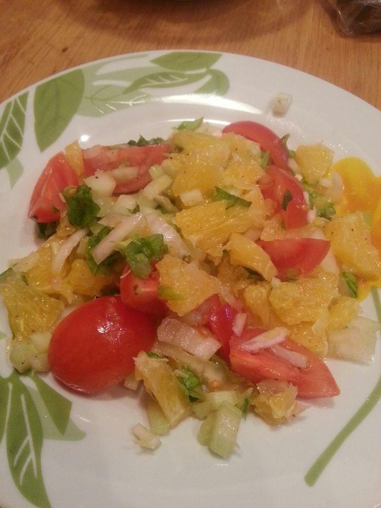 Рецептов: рейтинг: время приготовления главное найти вкусные помидоры, от них зависит не мало в этом салате.