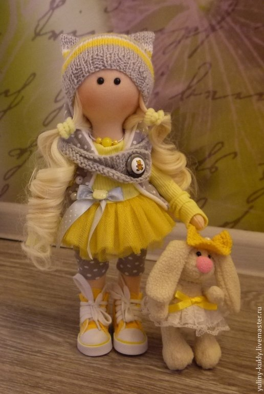 Кукла с зайкой