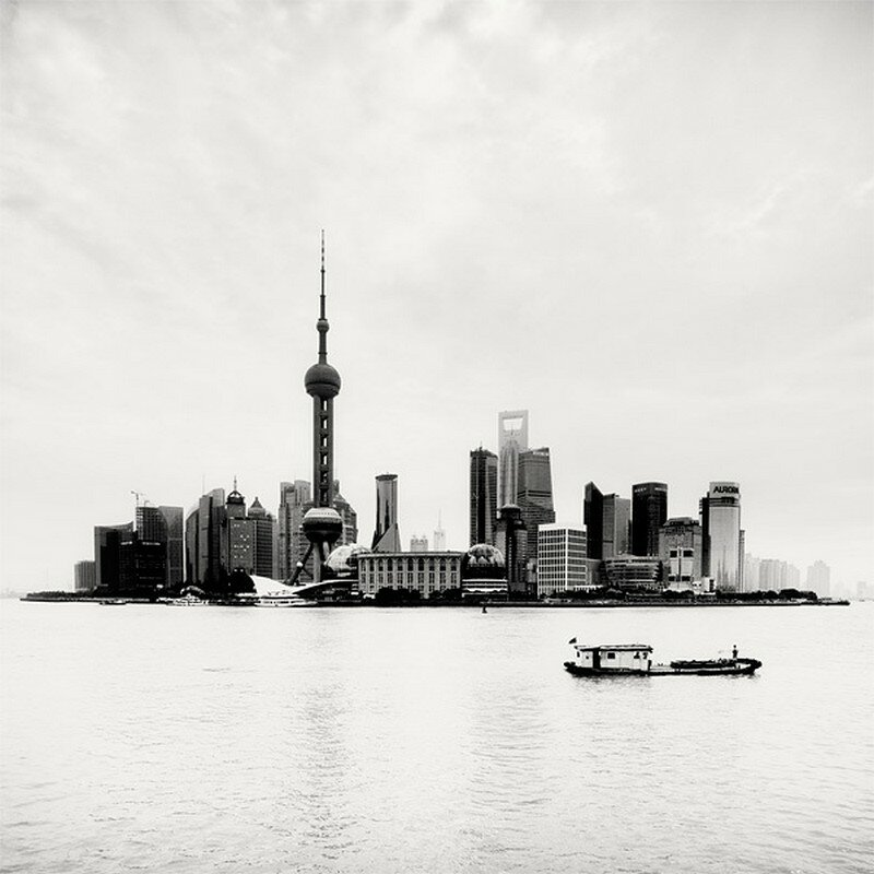 Чёрно-белые фото Шанхая от Martin Stavars